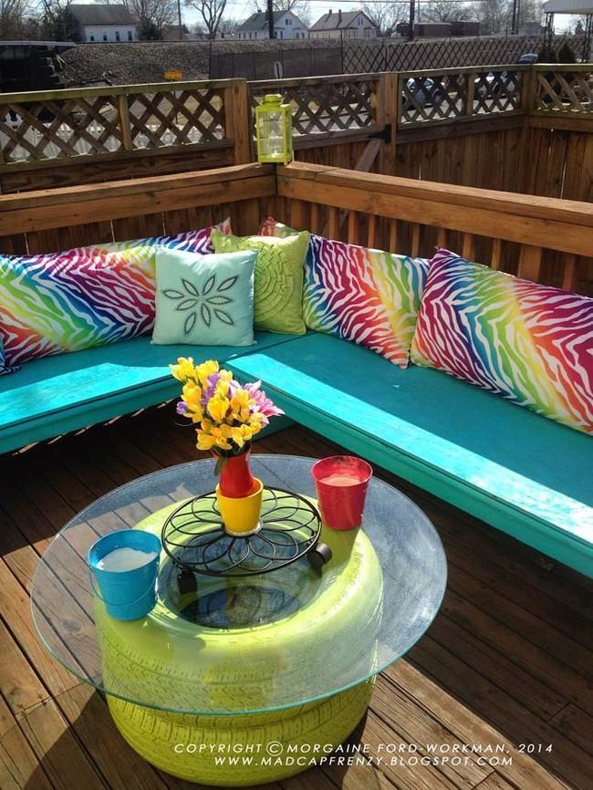 Barva v spreju in kos stekla – in že imate mizico za na vrt.