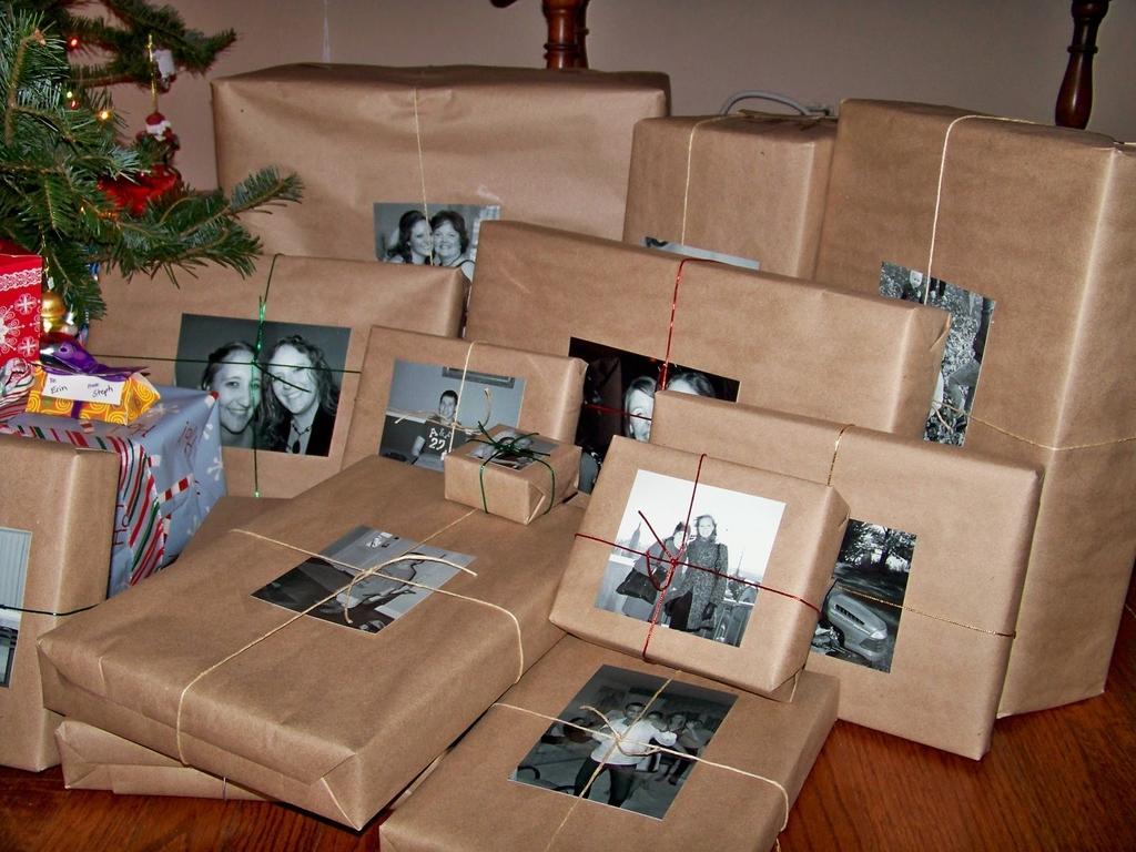 Namesto listkov z imeni na darilih uporabite slike