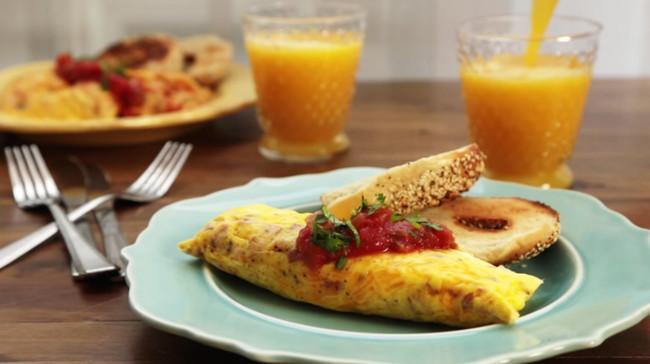In končni rezultat so popolne omlete, v obliki burrita