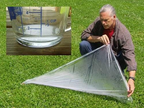 Ujemite pitno vodo v plastično ponjavo
