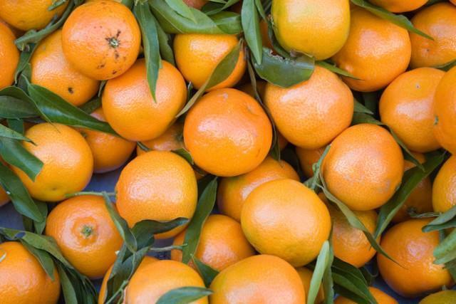 Vzemite mandarino in si naredite ljubko zimsko dekoracijo