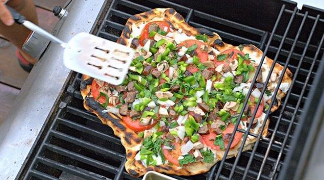 Pizza na žaru