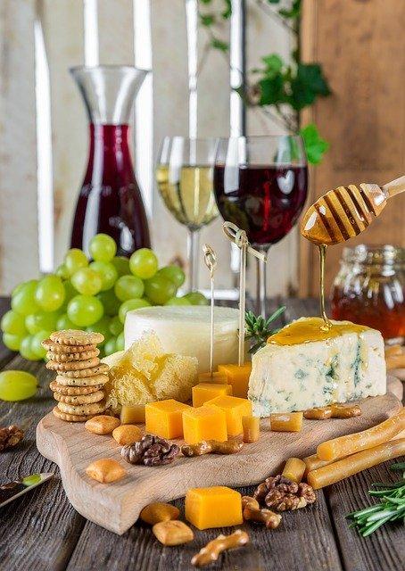 Cheese Cheese Plate Rustic Snacks  - Daria-Yakovleva / Pixabay